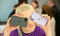"""Dėl naujų telefonųmirštantiems """"Apple"""" rengiasi siūlyti """"iPhone"""" prenumeratą"""