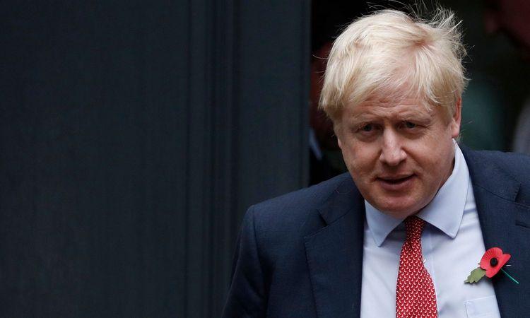 """B. Johnsonas atsiprašė už neįgyvendintą """"Brexit"""""""