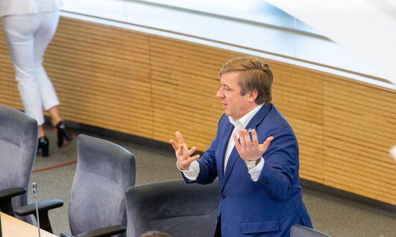 Ramūnas Karbauskis, Valstiečių ir žaliųjų sąjungos lyderis, parengė naują NT mokesčio plėtros įstatymo projektą. Juditos Grigelytės (VŽ) nuotr.