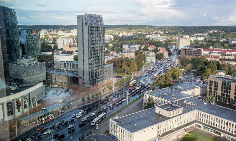 Eismas Vilniuje, Konstitucijos prospekte. Juditos Grigelytės (VŽ) nuotr.