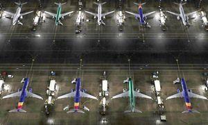 """""""737 MAX"""" dar angaruose, bet """"Boeing"""" akcijos jau ant kilimo tako"""