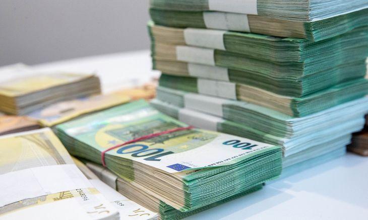 Didžiausi pelno mokesčio mokėtojai: bankai baigia deginti mokestinius nuostolius