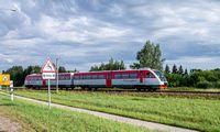 """Tiriamos """"Rail Balticos"""" galimybės sujungti traukinių ir oro transportą"""