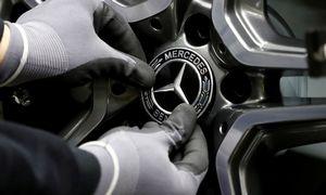 """Augantys taršos reikalavimai verčia """"Mercedes-Benz"""" atleisti 1.000 darbuotojų"""