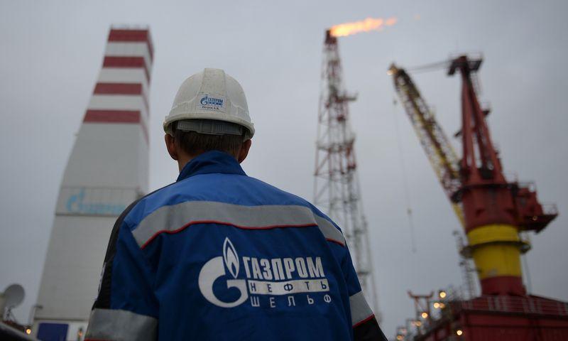 "Naftos platforma Pečioros jūroje., Maksimo Blinovo (""RIA Novosti""/ ""Scanpix"") nuotr."