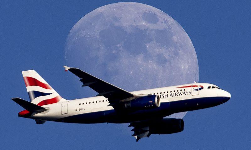 """""""British Airways"""" šiuo metu gresia 204 mln. eurų bauda už duomenų saugumo pažeidimą. Michaelo Probsto / AP nuotr."""