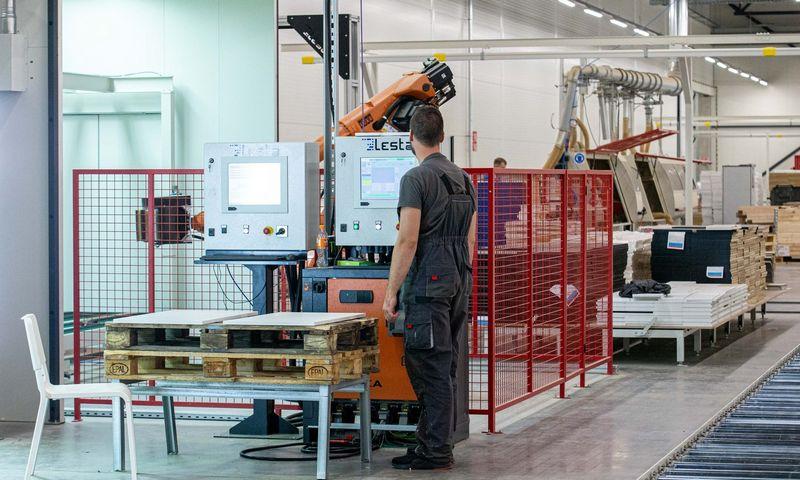 Pats laikas įmonėms, kurios galvoja apie robotus, prisiminti saugos klausimus. Juditos Grigelytės (VŽ) nuotr.