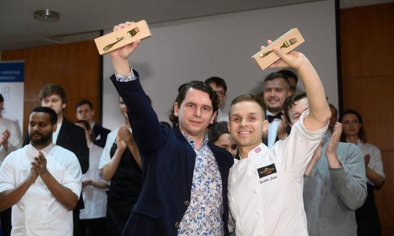 """""""Auksinę šakutę"""" laimėjo Evaldo Juškos (dešinėje; Kauno restoranas """"Arrive"""") ir Andriaus Pagojaus (Vyno klubas) duetas. , Čempionato"""