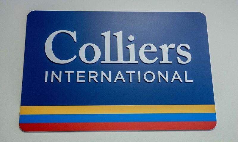 """NT konsultacijų ir valdymo bendrovės """"Colliers"""" iškaba. Juditos Grigelytės (VŽ) nuotr."""