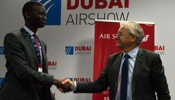 """""""Airbus"""" ir """"Boeing"""" pildo užsakymų portfelius: akcijos kyla"""