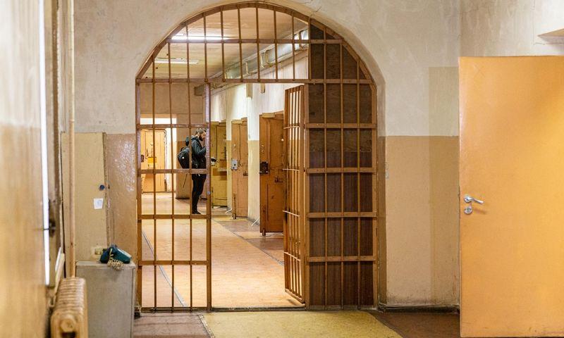 """Paroda """"Pažadinti: Gedimino kalne rastų sukilėlių istorija"""" eksponuojama pirmą kartą visuomenei atveriamoje buvusioje politinių kalinių areštinėje. Juditos Grigelytės (VŽ) nuotr."""
