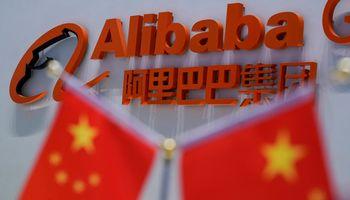 """""""Alibaba"""" Honkongo biržoje gali pritraukti iki 12,9 mlrd. USD"""