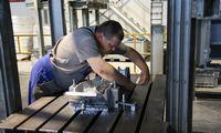 Po 6 metų augimo Vokietijos pramonės apimtims prognozuoja minuso ženklą