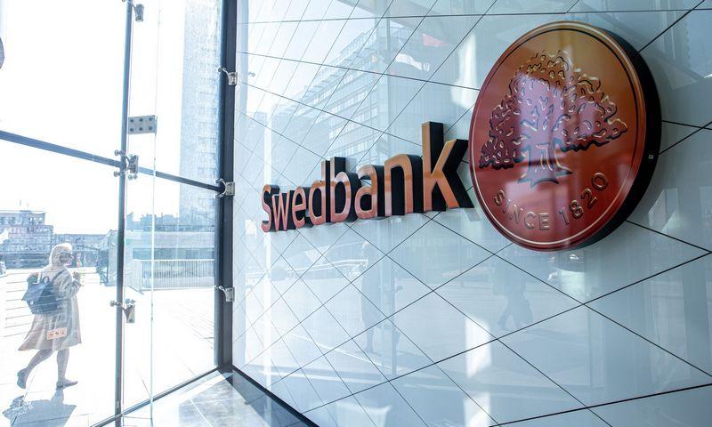 """""""Swedbank"""" iškaba. Juditos Grigelytės (VŽ) nuotr."""