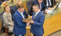 Biudžeto puodas kunkuliuoja: pasiūlymai didinti išlaidas byra iš visų pusių