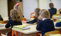"""Lietuvoje trečdaliu per daug mokytojų ir nėra """"galimybių lango"""" tai pakeisti"""
