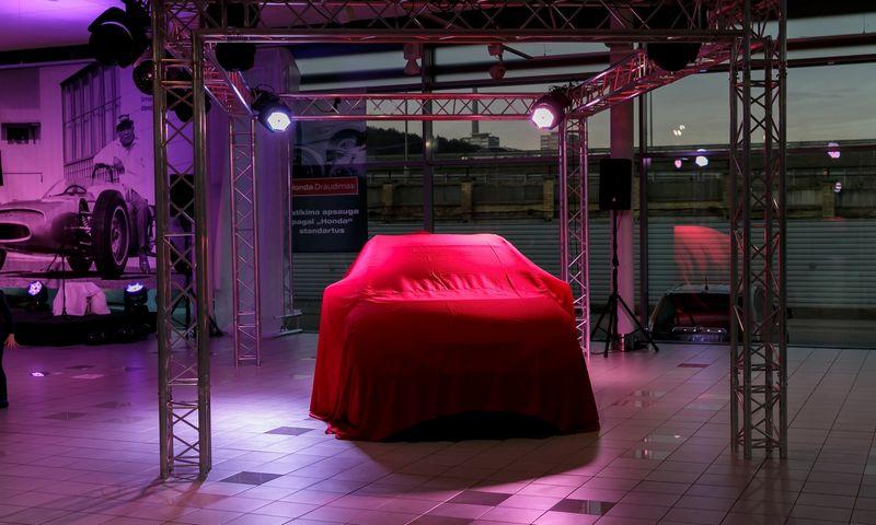 """Suomijos """"Veho"""" parduoda """"Hondos"""" ir """"Citroen"""" atstovybes Baltijos šalyse, o vietoj jų imsis prekybos """"Mercedes"""" lengvaisiais ir komerciniais automobiliais. Vladimiro Ivanovo (VŽ) nuotr."""
