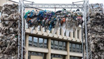 Sunkiai įtikėtini plastiko pakuočių perdirbimo rekordai