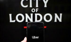 """Panaikinta """"Uber"""" licencija vežti keleivius Londone"""