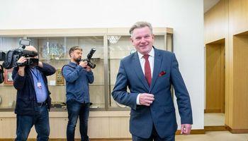 Turėdamas butą Seimo viešbutyje, J. Narkevičius su žmona užsiėmė butų nuoma sostinėje