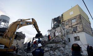 Per žemėsdrebėjimą Albanijoje žuvo mažiausiai keturi žmonės, dar 150 sužeista