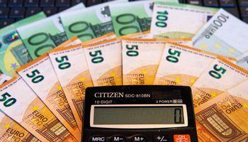 Kaupia pensijai, nes lėšos paveldimos. Iš fondų bėga,nes nepasitiki