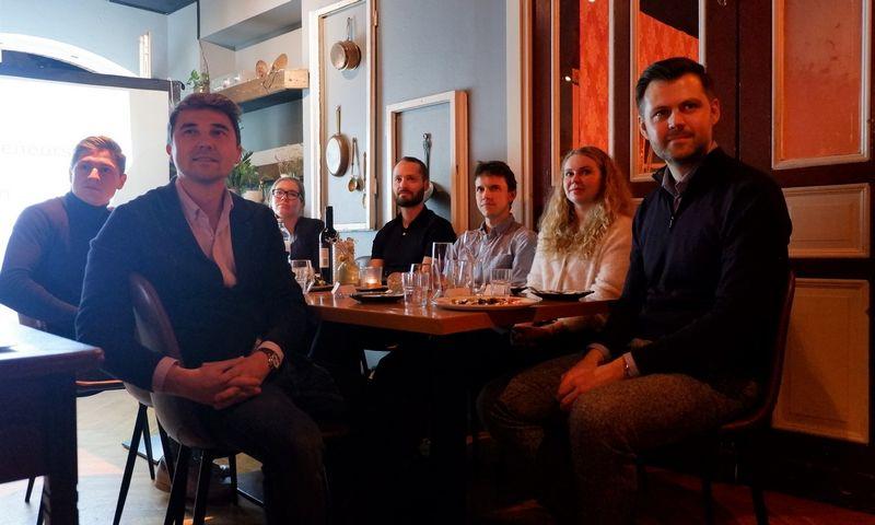 Berlyne susirinkę startuoliai ir investuotojai užmezgė naudingų kontaktų. Rasos Dževeckytės (VŽ) nuotr.
