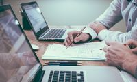 Smulkaus ir vidutinio verslo finansų iššūkiai: kaip juos efektyviai išspręsti?