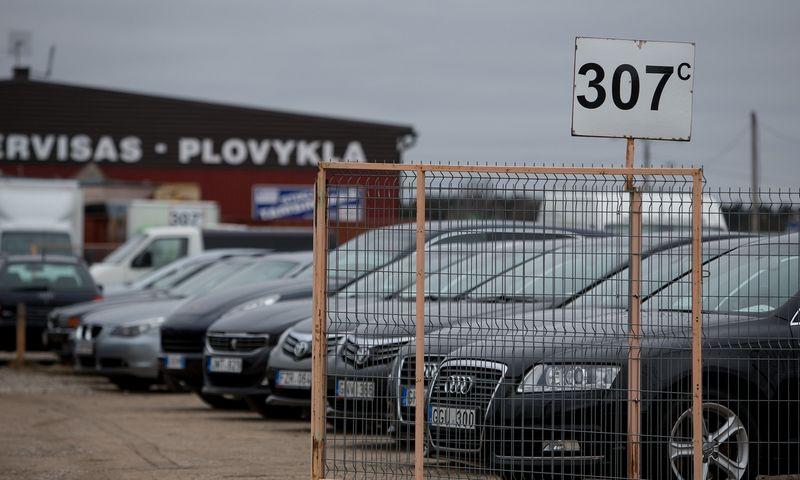 Siūloma tvarka paveiktų prekybininkus naudotais automobiliais iš Vakarų Europos. Vladimiro Ivanovo (VŽ) nuotr.