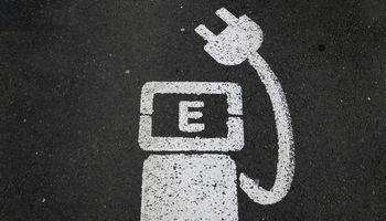 GM ir LG investuoja 2,3 mlrd. USD – statys vieną didžiausių baterijų gamyklų pasaulyje