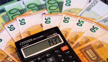Seime skinasi pataisa bankus apmokestinti 20% pelno mokesčiu