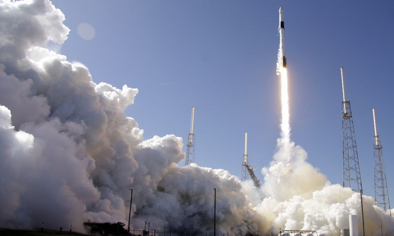 """""""Falcon 9"""" raketa. Johno Raoux (AP / """"Scanpix"""") nuotr."""