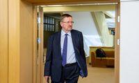 Seimo pirmininkas sako, kad neteiks J. Bernatonio kandidatūros į KT teisėjus
