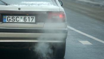 Planuojamas taršių automobilių mokestis - jau nuo kitų metų pradžios