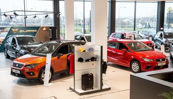 Prekybos mokesčio kirvis – ir virš automobilių pramonės atstovų galvų