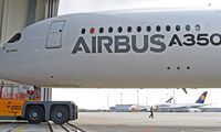 """""""Airbus"""" akcijos šiemet pirmą kartą nuo 2015-ųjų brangsta sparčiau už """"Boeing"""""""