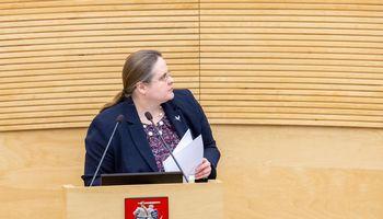 Seimo komitetas: taršių automobilių mokestis – nuo balandžio