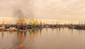 """Ventspilio ir Rygos uostų valdymą perima """"padėtį gelbstinti""""Vyriausybė"""