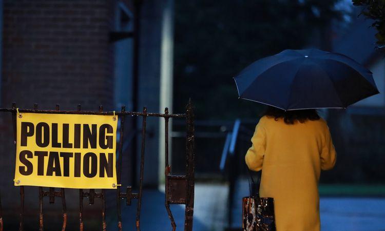 Analitikas: JK balsuojama už vieną iš dviejų blogybių