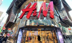 H&M ėmėišvežioti prekes dviračiais