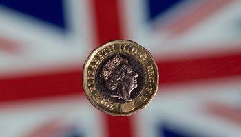 Po JK rinkimų pustrečių metų nematytas svaro ralis