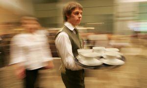 Didžiausias algų medianas spalį mokėję restoranai ir kavinės