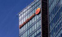 """""""Swedbank"""" vadovybėje dėl pinigų plovimo skandalo vyksta """"valymai"""""""