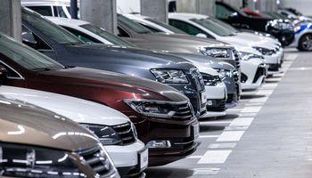 Seime priimtas automobilių registracijos mokestis – nuo liepos 1 d.