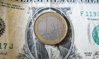 Pirmiausia Europa: stoja į kovą su dolerio dominavimu