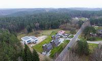 Statybų inspekcija nesutinka sudaryti taikos sutarties dėl atlikėjo E. Dragūno namo