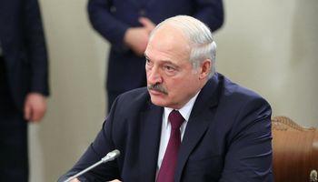 A. Lukašenka su D. Medvedevu susitarė dėl naftos tiekimo be sutarčių