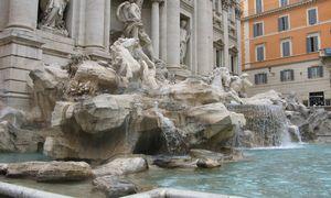 Italai tramdys turistus griežtomis taisyklėmis ir baudomis