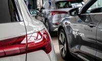 Naujų automobilių rinka pernai augo 41,3%