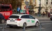 Taksi ir pavėžėjų automobiliai turės būti pažymėti specialiu ženklu